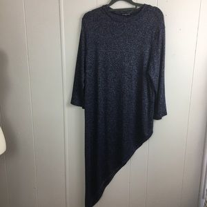 Cha Cha Vente shirt size large color navy.